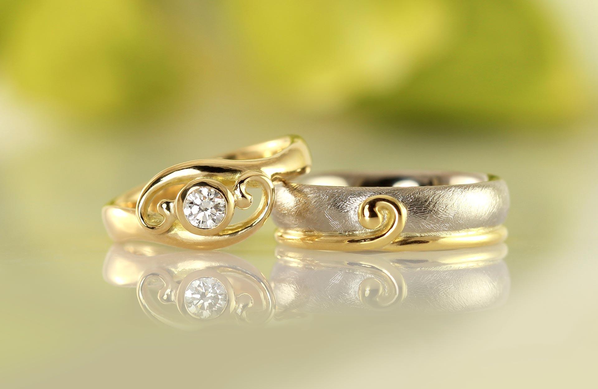 Romantiske snirkel Embrace vielsesringe - håndværk - guldsmed - Castens