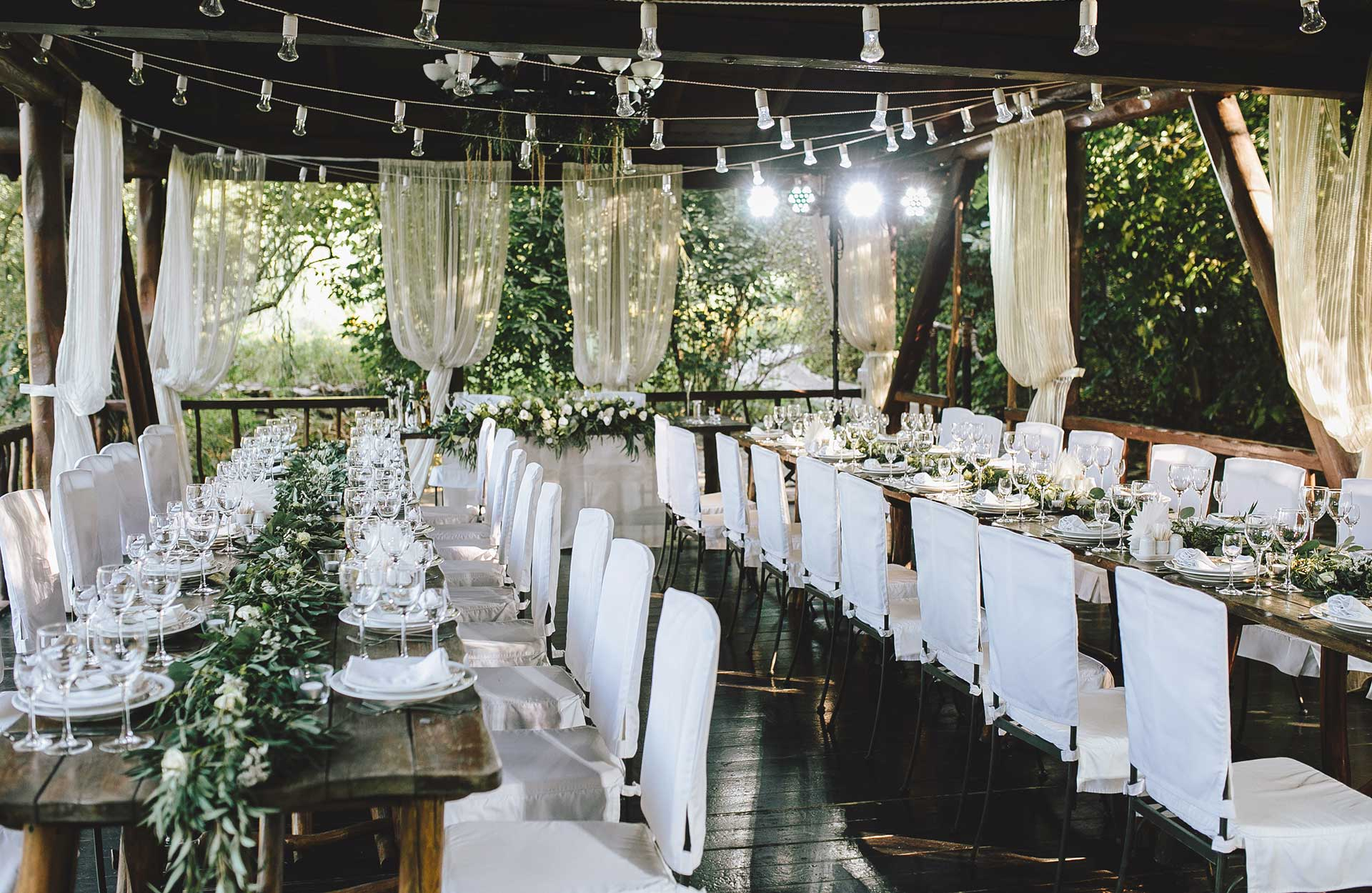 bryllupsfest borddækning
