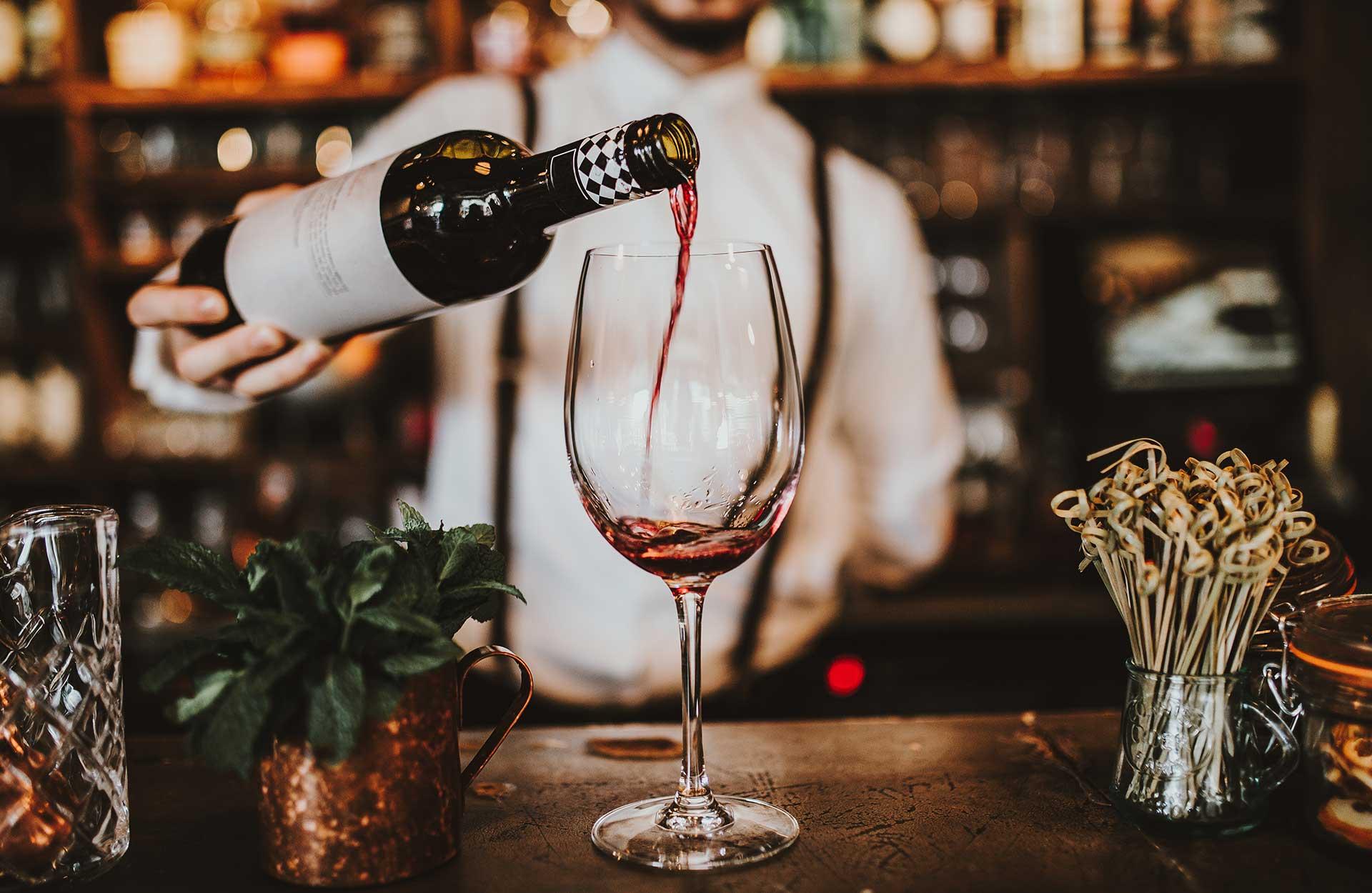 Hvilke drikkevarer skal vi vælge til bryllupsmiddagen?